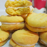 HOMEMADE MELTING MOMENTS WITH LEMON ICING