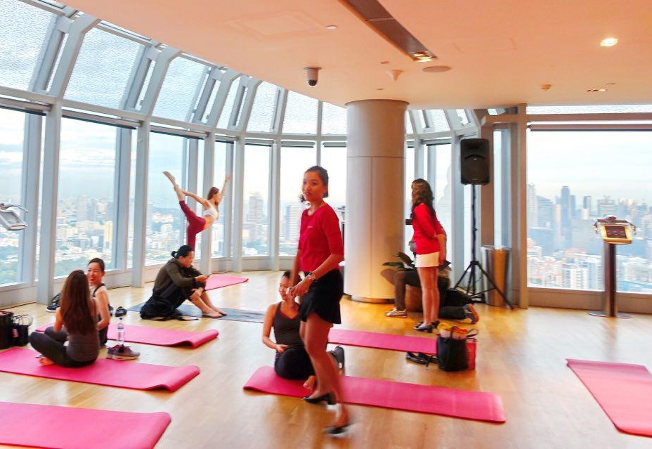 Clarins MadeToMeasure with Yoga Lab