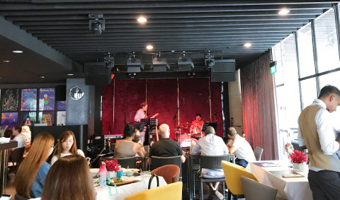 Montreux Jazz Cafe - champagne brunch with kids